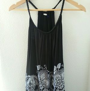 Tops - Flowered black • loose top with white pattern